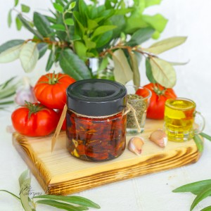 Dried Tomatoes in exta virgin olive oil