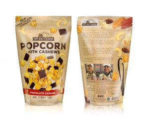 Popcorn with cashews, chocolate chips and salted caramel
