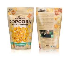 Popcorn with cashews and salted caramel