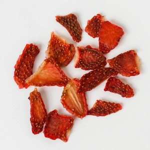 Dehydrated strawberries in slices