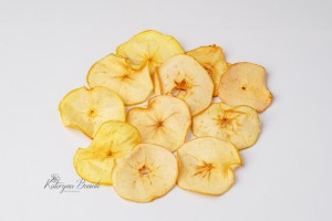 Dehydrated apple in slices